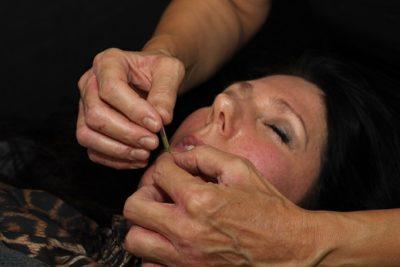 Lene Kryger giver kosmetisk ansigtsakupunktur. Kosmetisk akupunktur Næstved. Naturli' Behandling.