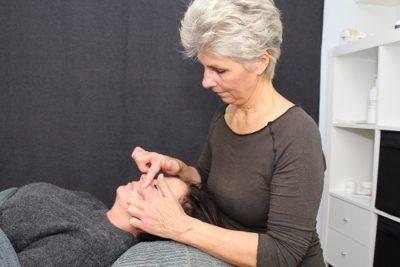 Lene Kryger giver ansigtszoneterapi i Næstved. Lone Sørensens metode. Naturli' Behandling.
